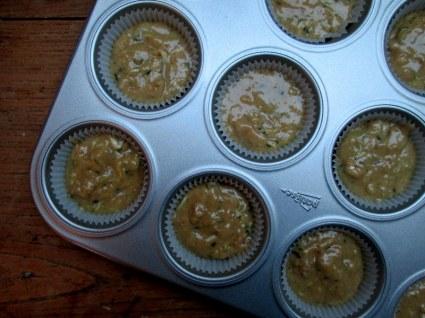 zucchini muffins 011