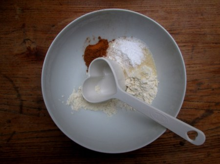 apple and cinnamon oatmeal pancakes 023